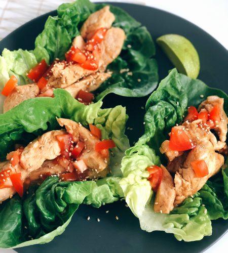 Ingefärskyckling i salladswraps