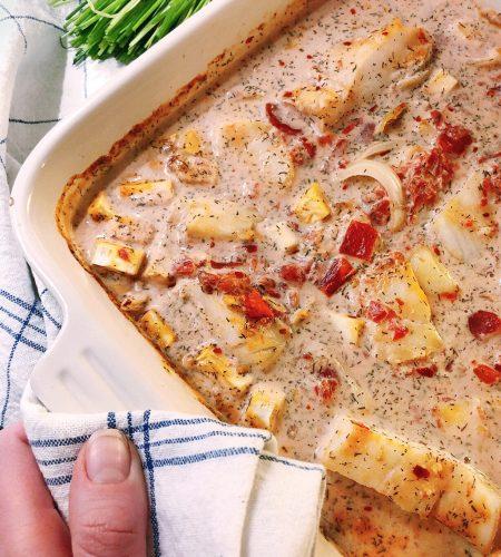 Ugnsbakad torsk i krämig dill- och tomatsås