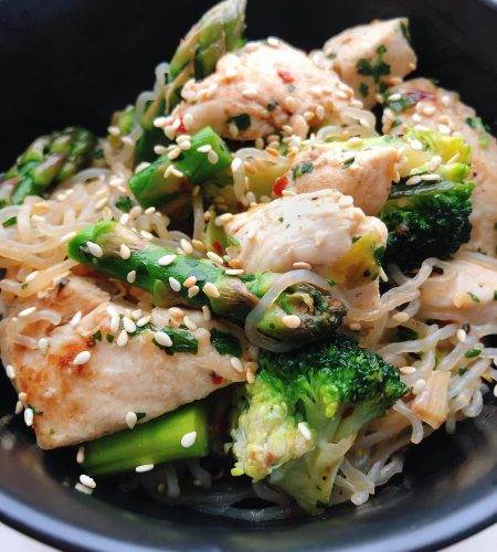 Sesam Kyckling & Nudel-wok